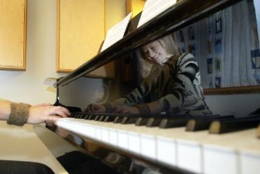 Piano5.jpg-Studiekatalog-380px-