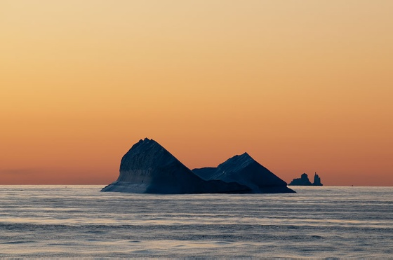 svalbardlife-iceberg.JPG