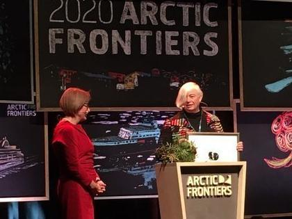 Rector of UiT, Anne Husebekk presented the Mohn Prize 2020 to Dorthe Dahl-Jensen during the conference Arctic Frontiers.
